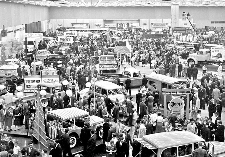 Detroit Auto Show - Cobo Hall -1960- 7