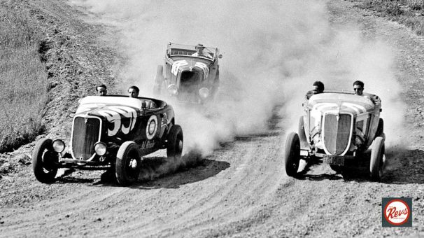 1932-and-1934-ford-roadsters-in1934-legion-ascot-targo-florio-race