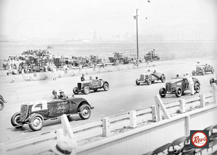 cars-staged-for-the-pace-lap-at-1934-legion-ascot-targo-florio-race