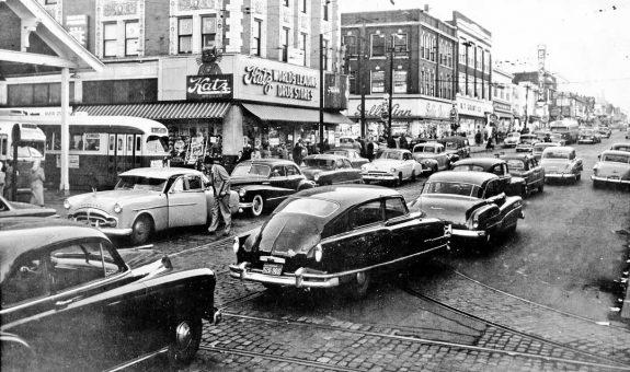 downtown-wellston-mo-street-scene-19401950s-cars