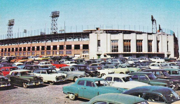 indianapolis-indians-victory-field-early-fifties-cars