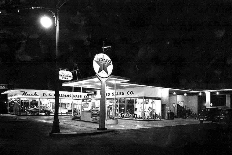 p-k-willians-nash-co-and-texaco-gas-station-1940s