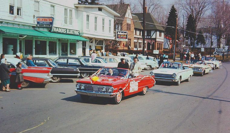 Four fun friday fifties and sixties kodachrome car images for Montrose motors montrose pa