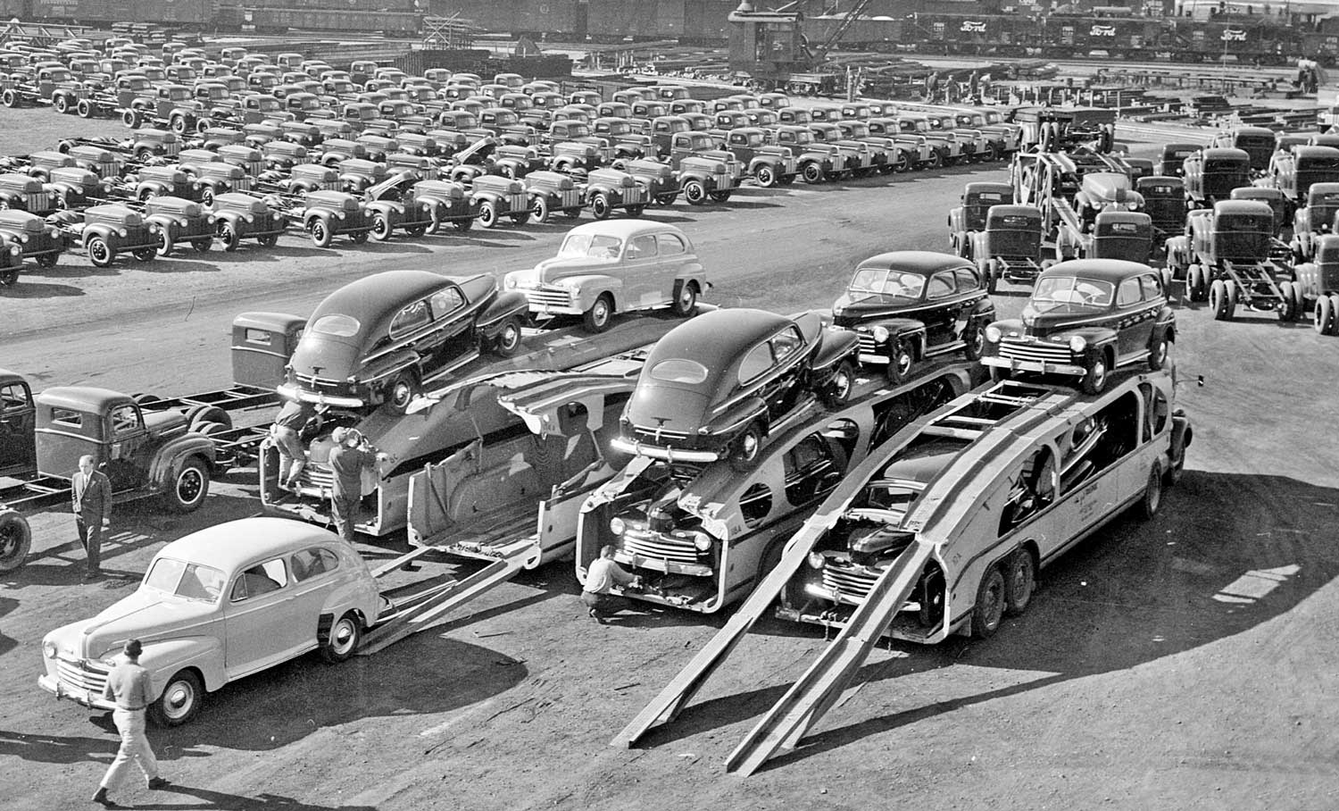 The First New Postwar Production Car  The 1946 Ford  The Old Motor