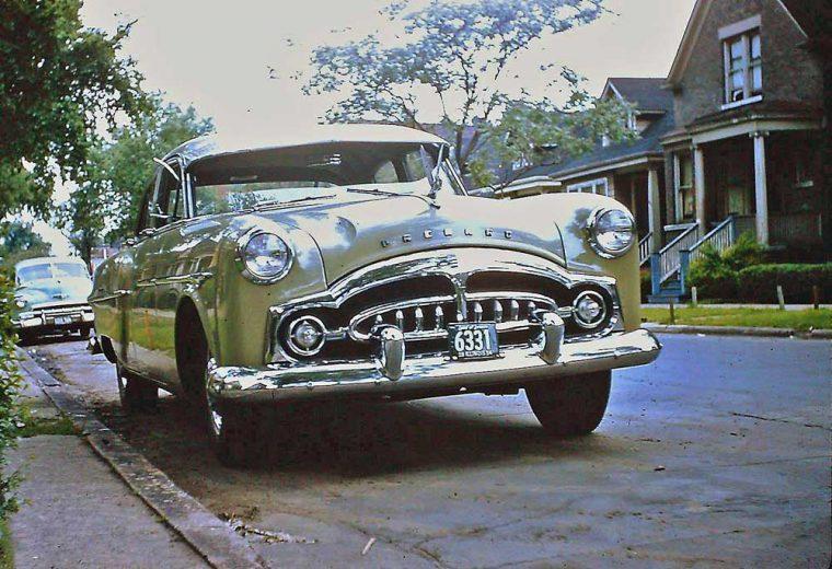 1950s-packard-sedan-1954-ill-license-plates