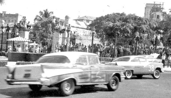 1957-chevy-1956-ford-fairlane-hardtop-road-races-cuba