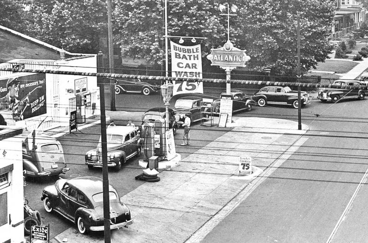 atlantic-service-station-world-war-two-gas-rationing-pre-1941-vintage-cars-2