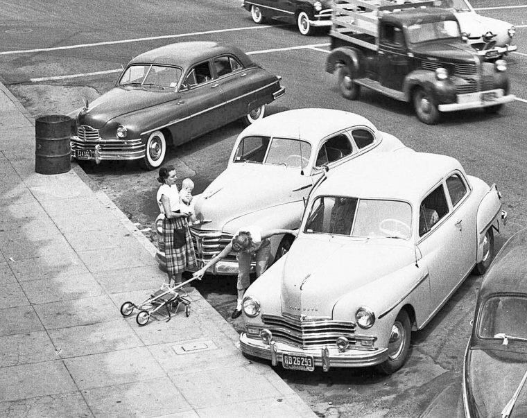 california-automobile-street-scene-1952
