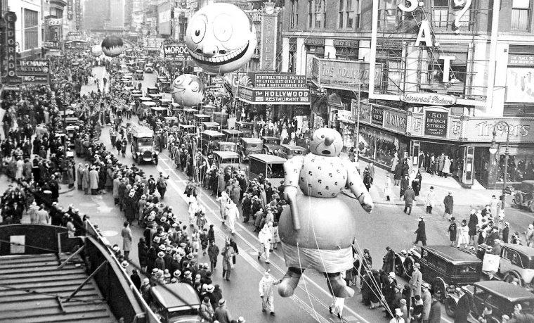 thanksgiving-day-parade-circa-1930