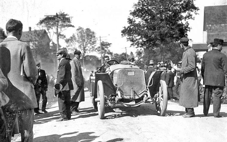 1909-lozier-at-the-shingle-hill-climb
