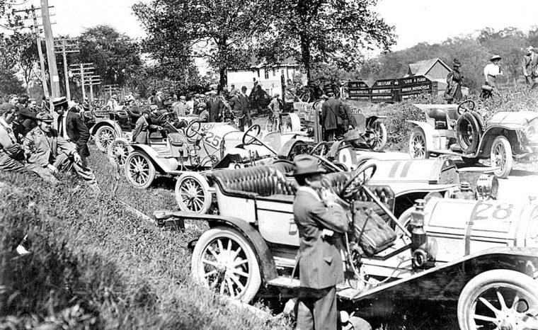 1909-racing-cars-at-the-shingle-hill-climb