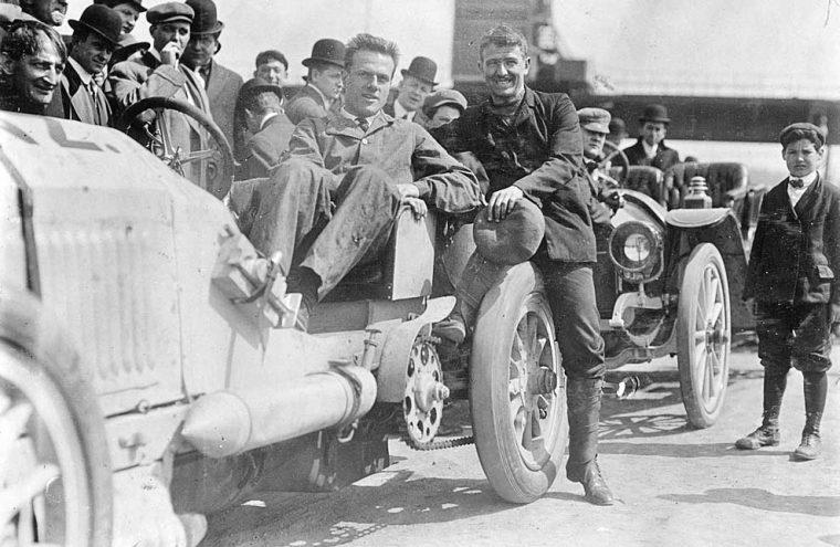 david-bruce-brown-with-120-hp-benz-racing-car-1