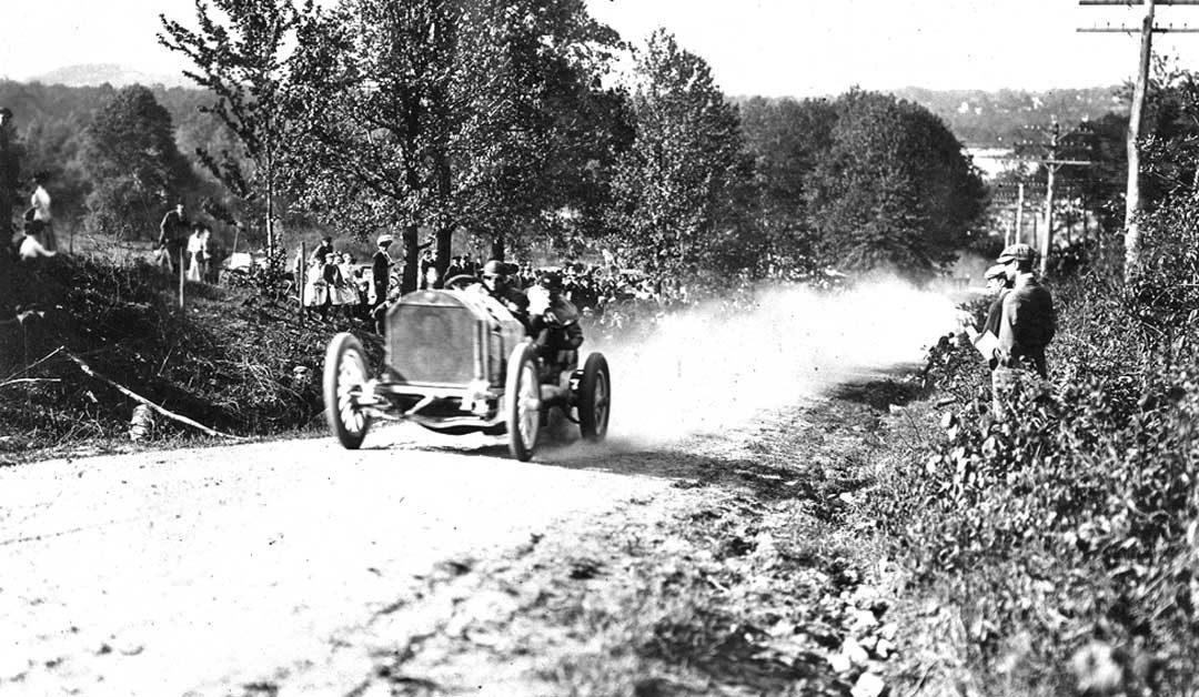 david-bruce-brown-with-120-hp-benz-racing-car