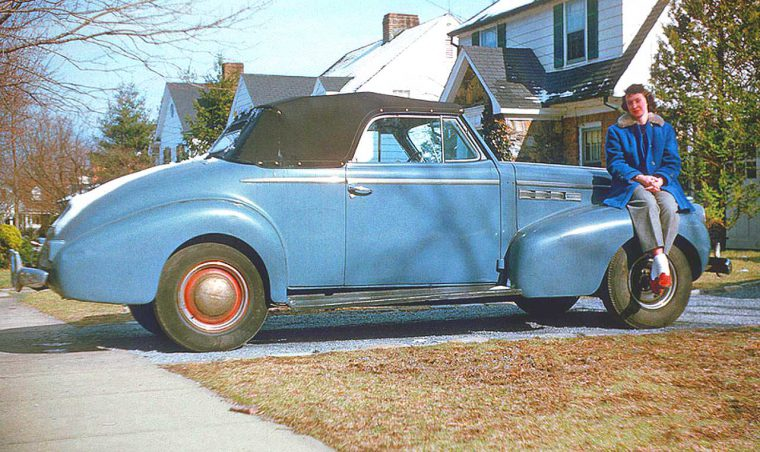 early-1940s-buick-convertible
