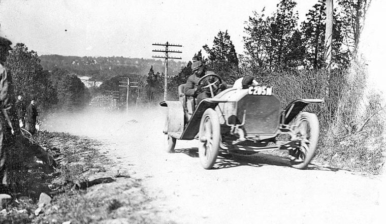 mystery-early-car-at-the-1909-shingle-hill-climb-1