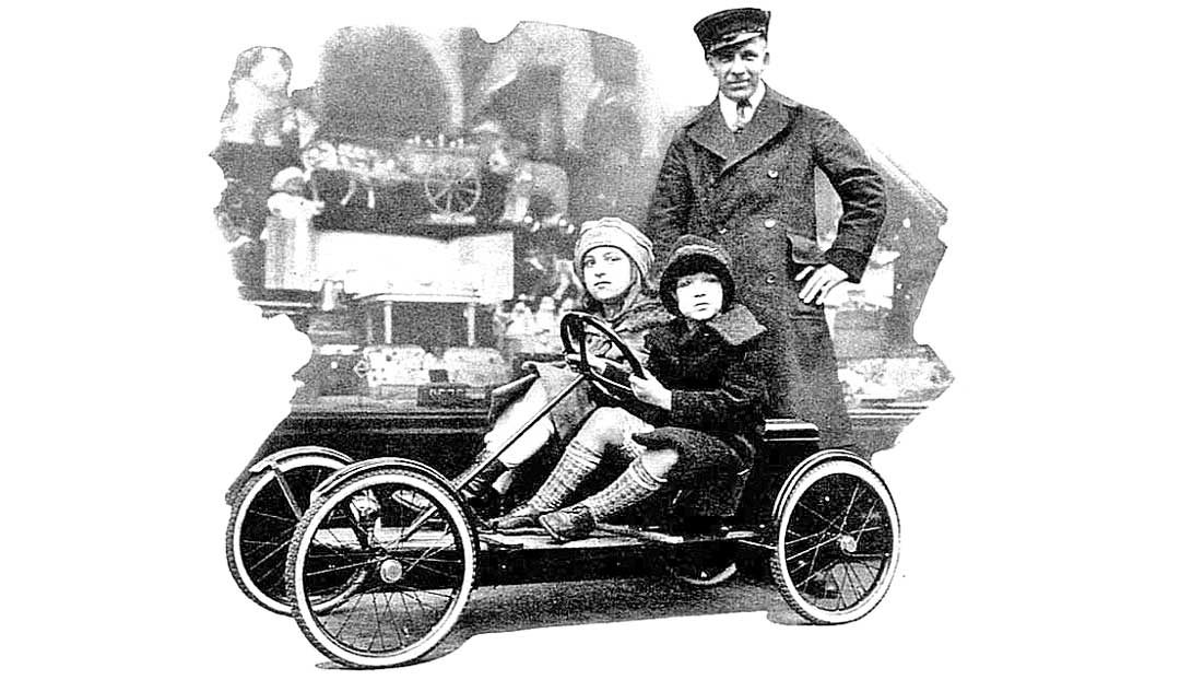 the-junior-electric-%22red-bug%22-childrens-car-christmas-1927