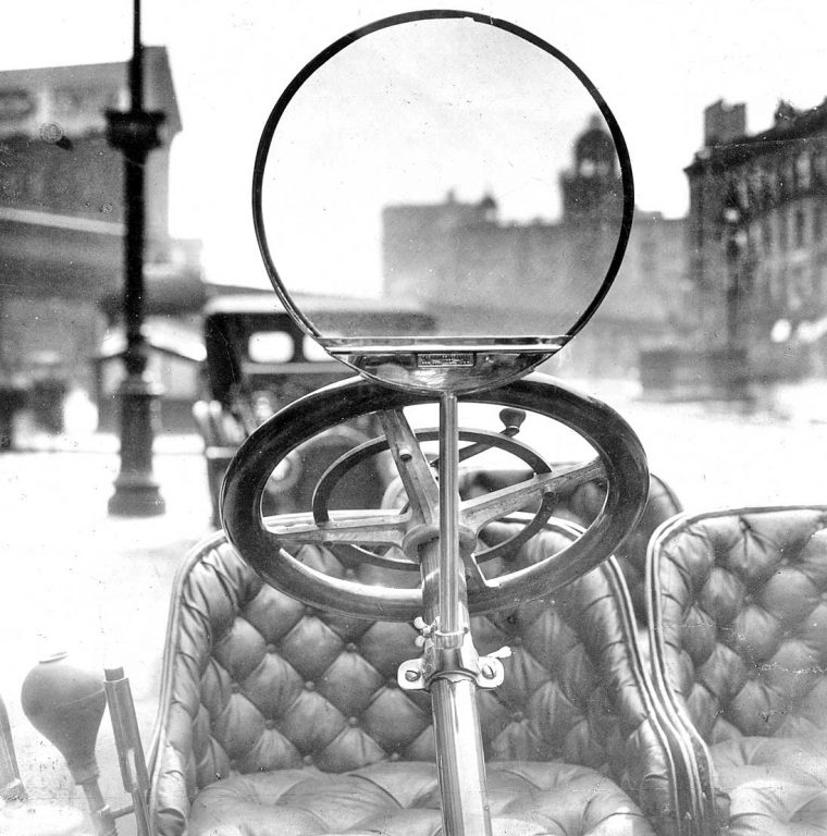 1908-monocule-windshield