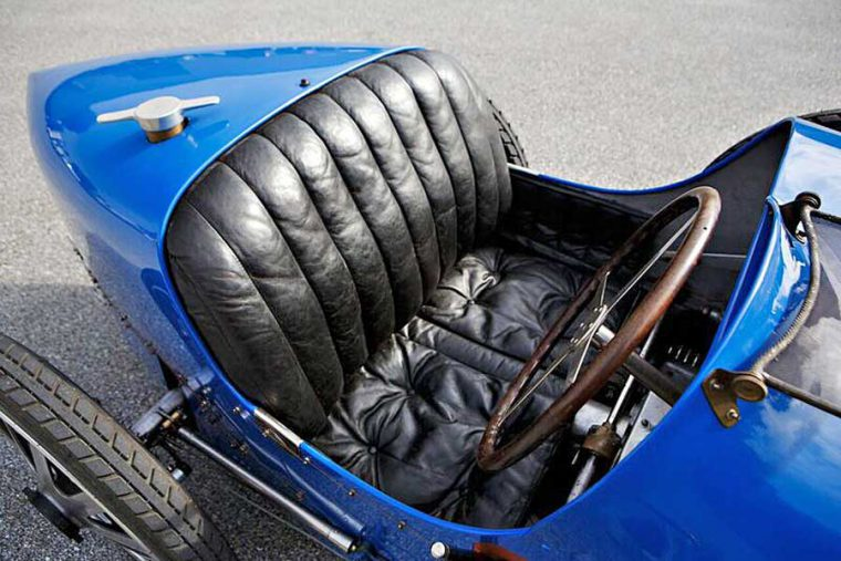 1925 Bugatti Type 35 bird racing car
