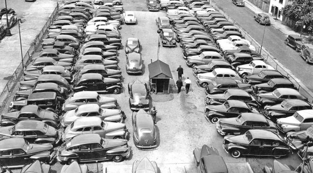 cars-in-parking-due-to-world-war-two-gas-rationing-2