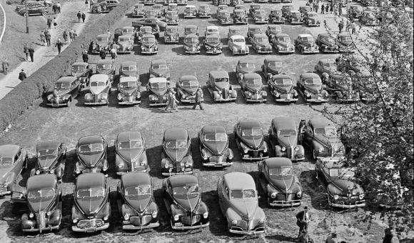 Pimlico racetrack parking lot Baltimore 1930-1942 Autos
