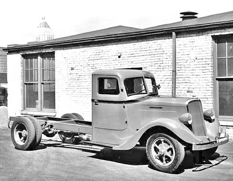 1934 Studebaker T-series truck