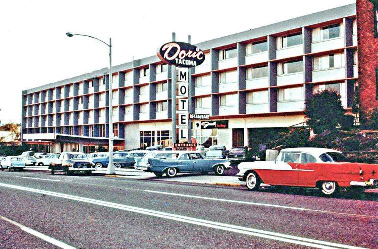 1950s & 1960s Vintage Autos at the Doric Motel Tacoma WA