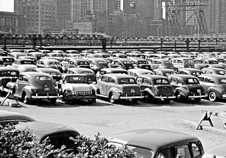John Vachon Chicago parking lot 1941 1