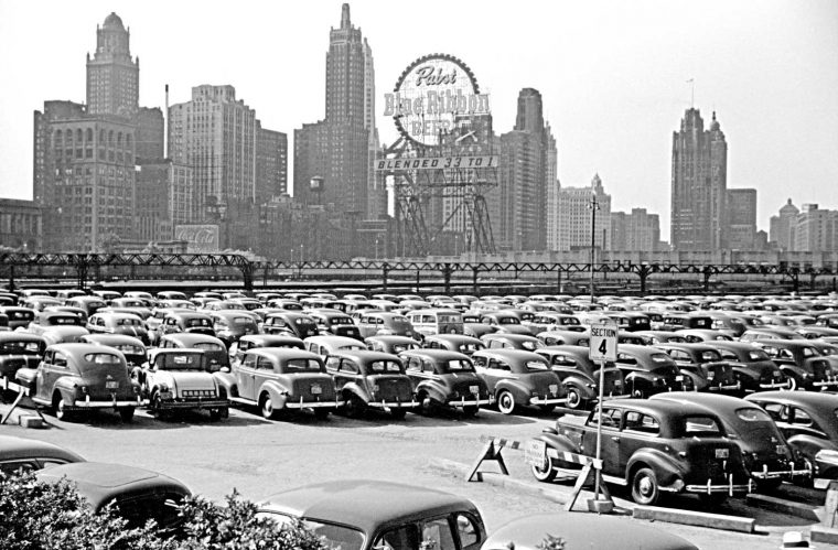 John Vachon Chicago parking lot 1941 3