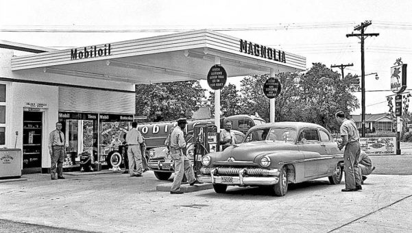 Gasoline Stations The Old Motor