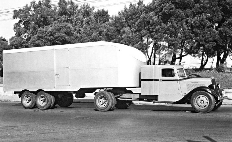 Streamline mid-1930s Studebaker over the road semi
