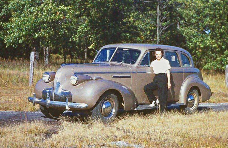 late-1930s buick sedan