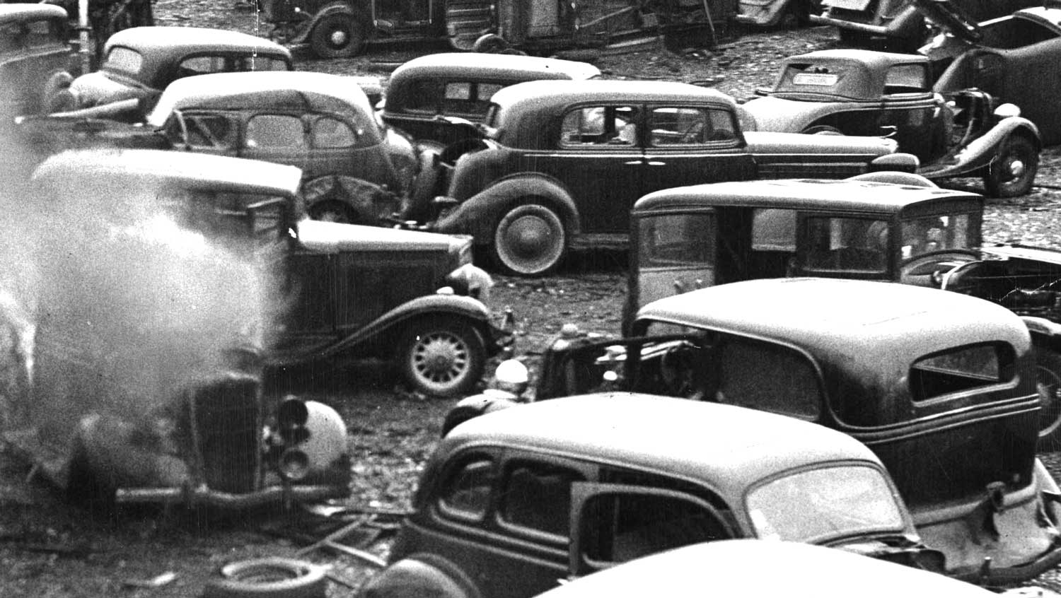 Philly Junk Yard: 1930s Cars Scraped and Crushed Into Bales | The ...