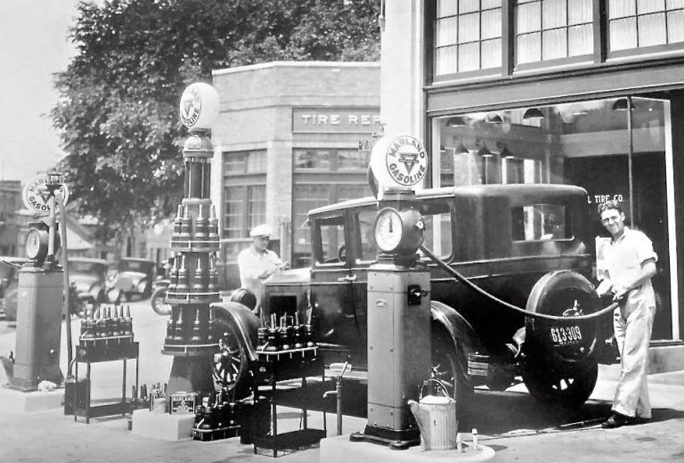 Marland-Gasoline-Station-Late-1920s-768x