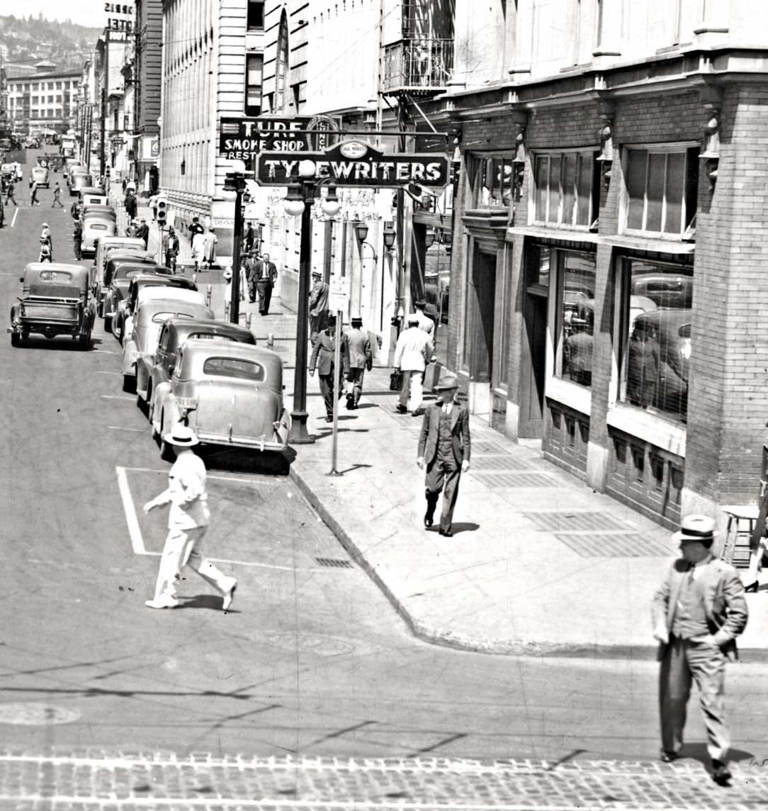 Portland Oregon Street Scene: South West Stark Street