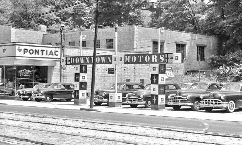 DowntownMotorsPontiac1950s21024x617.jpg (Obraz JPEG