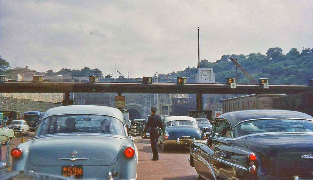 1950s-Cars-at-New-York-City-Tunnel-Toll-