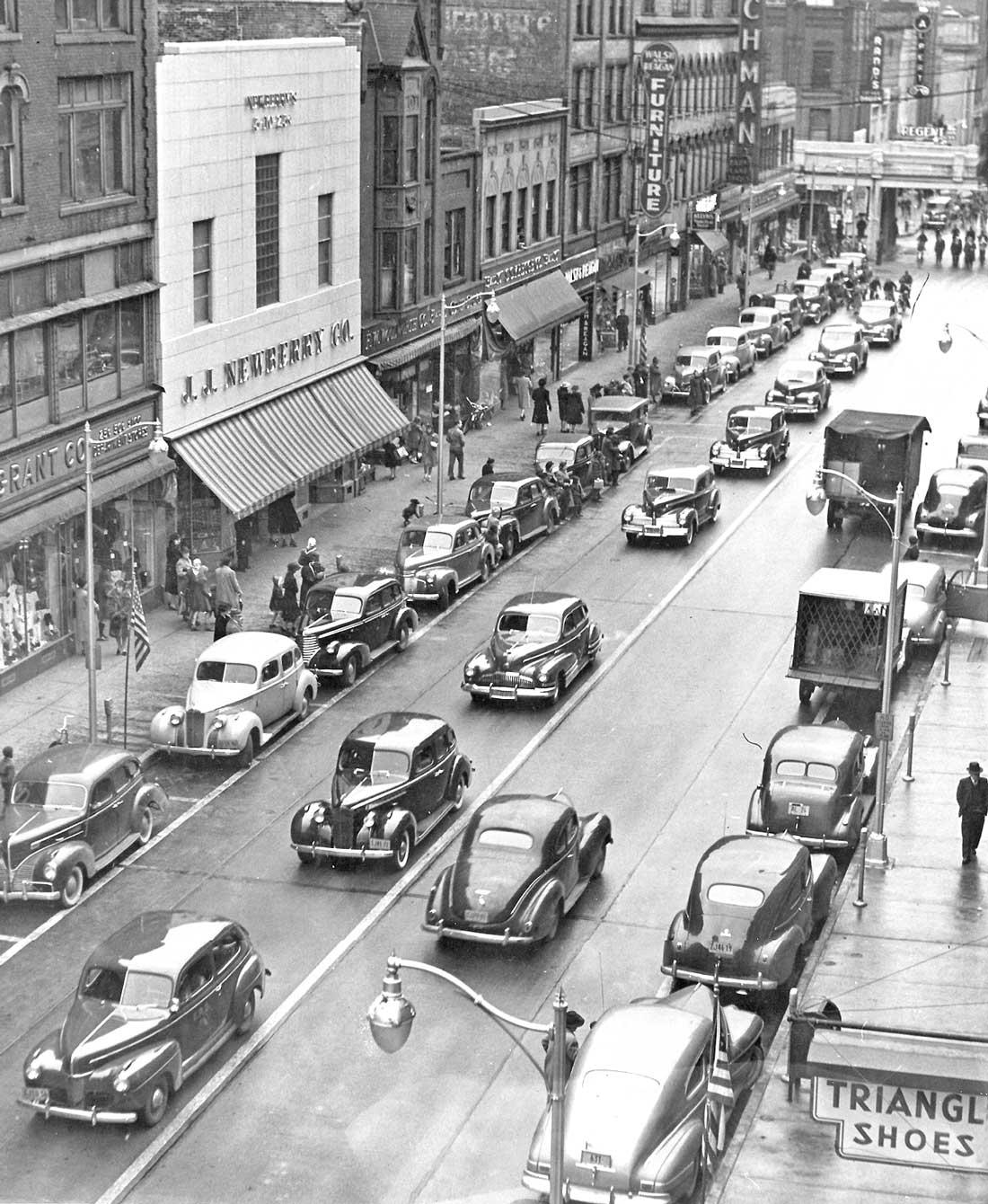 Early 1940s Street Scene Elmira New York The Old Motor