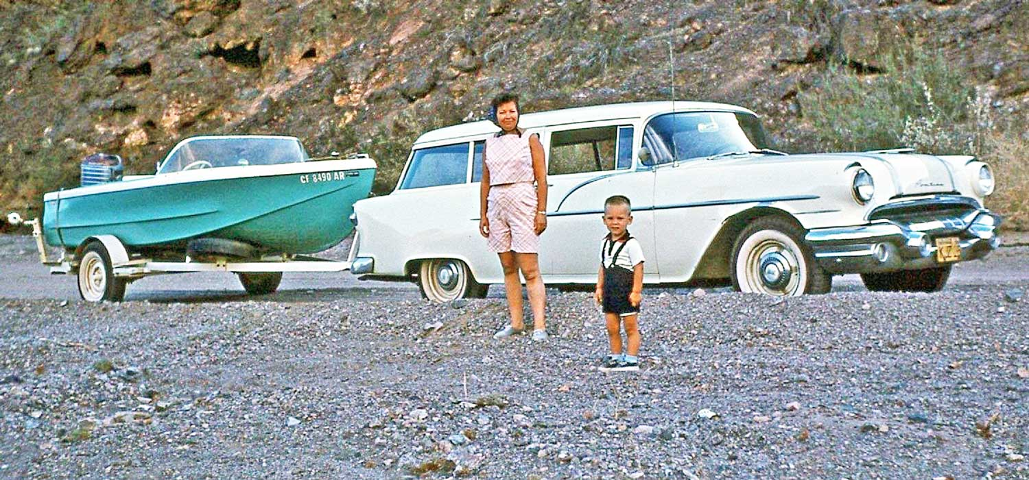 Four Fun Friday Fifties Kodachrome Car Images The Old Motor 1950 Pontiac Star Chief A Mid 1950s Wagon Is Towing Fiberglass Speedboat Fitted With Good Sized Outboard