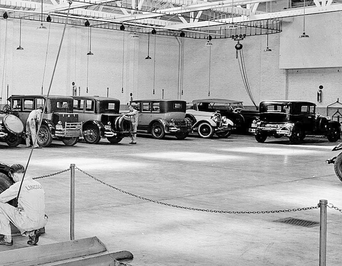 Beverly Hills, California: Maddux Inc. Lincoln Service Car ...