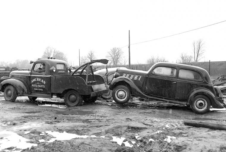 Grand Rapids Auto Parts >> American Auto Parts Wrecking Yard Images The Old Motor
